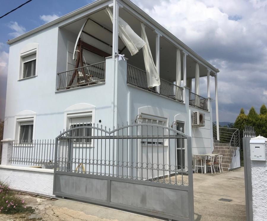 Самостоятелна къща под наем в Паралия Карияни, Кавала
