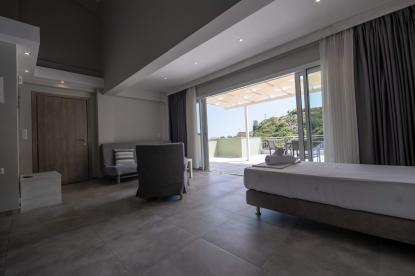 Бизнес имот за продажба в Неа Перамос, Кавала