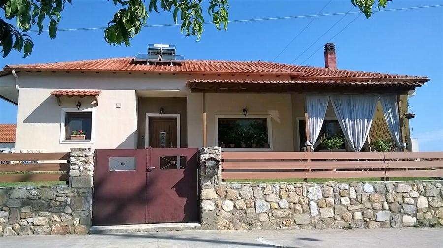 Самостоятелна къща за продажба в Родоливос, Серес