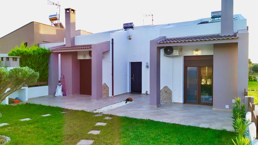 Самостоятелна къща под наем в Паралия Офринио, Кавала